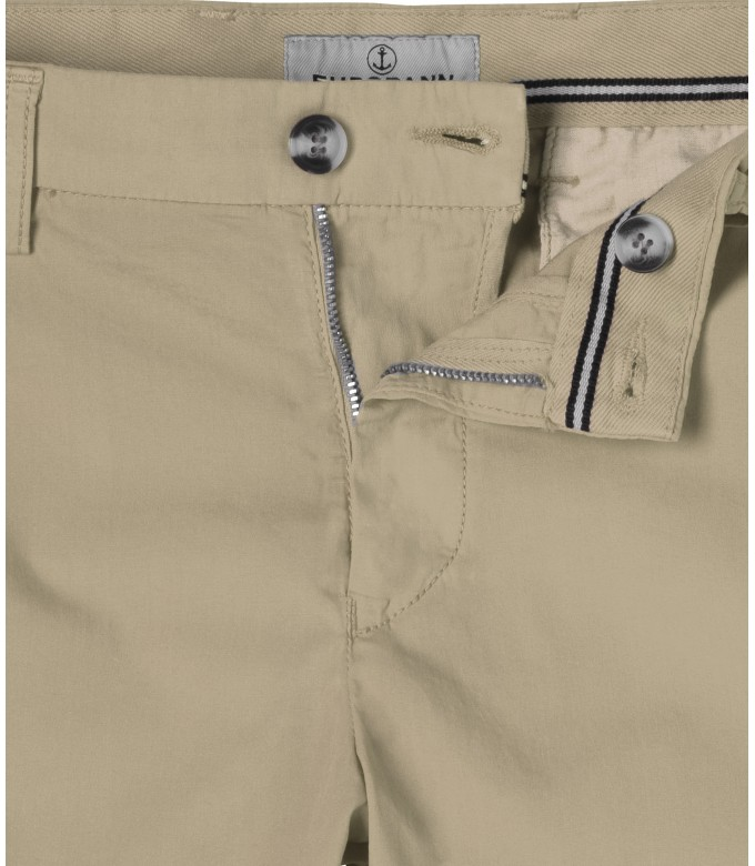 BEIGE SLIM FIT COTTON BERMUDAS TEXAS
