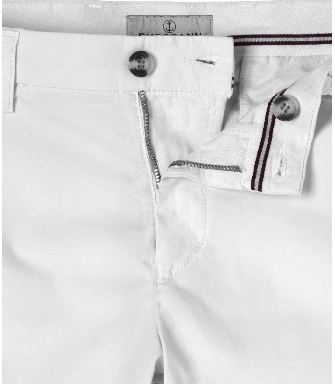 WHITE SLIM FIT COTTON BERMUDAS TEXAS