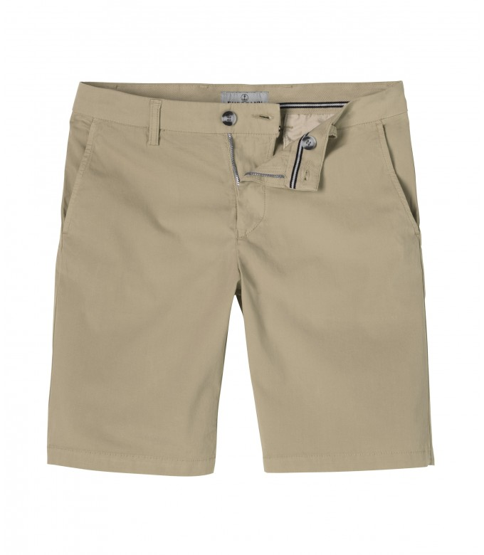 TEXAS - Slim fit Chino Bermudas, beige